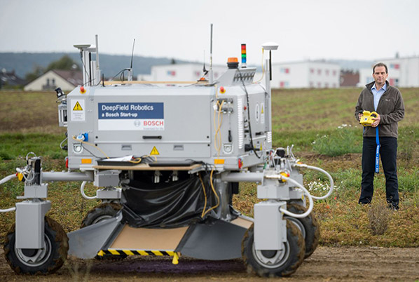 روباتی که نیاز به علف کشها را از بین میبرد+ عکس